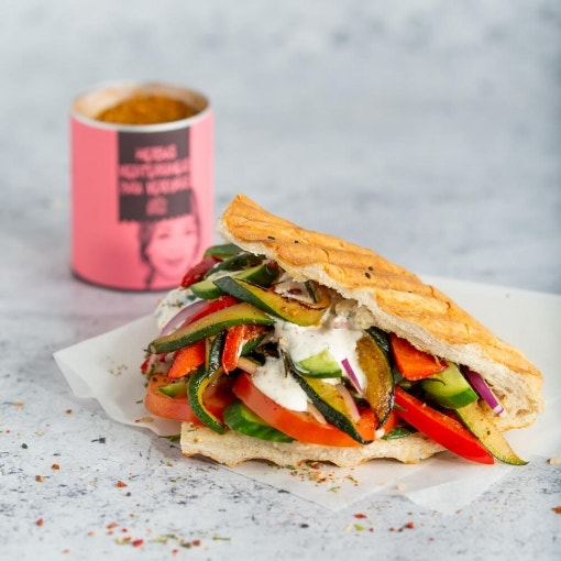 Kebab mediterráneo con verduras