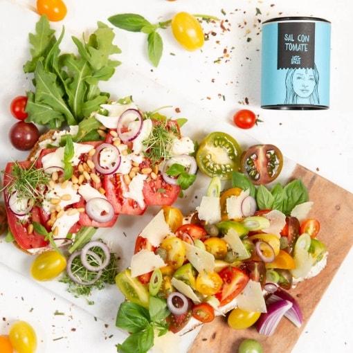 Tostadas crujientes de tomate